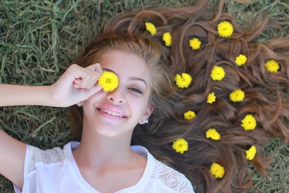 Meisje met bloemen Praatjes enzo